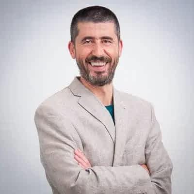 CONSULTOR SEO   ANALÍTICA WEB   CONVERSIÓN   GOOGLE ADS   DESARROLLO WEB · Rene Rodriguez